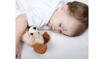 Выбираем матрас для детской кроватки правильно